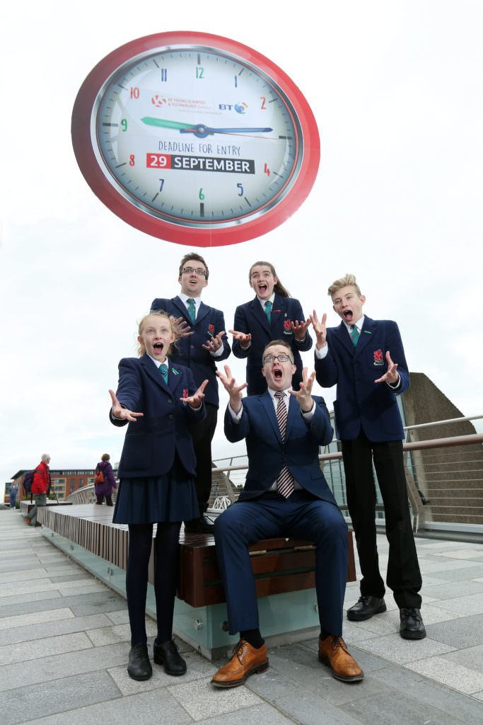 Monday 7th September 2015 Photographer - Kelvin Boyes  Tick Tock! Time is running out for students to enter the BT Young Scientist & Technology Exhibition   -      Northern Ireland's favourite illusionist encourages students to submit an entry ahead of  fast approaching  deadline    Monday 7th September, 2015: (Picture shows) Top illusionist and television mentalist David Meade today joined BT and pupils from Wellington College in Belfast to remind schools across Northern Ireland to submit their entries for the BT Young Scientist & Technology Exhibition (BTYSTE), ahead of the fast approaching deadline of 29th September, 2015.   Getting involved in the BTYSTE couldn't be easier. Students can enter either as an individual or a group, by uploading a one-page proposal outlining their idea to www.btyoungscientist.com  . Entries can be made in any one of four categories: technology, social and behavioural science, biological and ecological science, or chemical, physical and mathematical science.    The 2016 exhibition will take place from 6th – 9th January, 2016 at the RDS in Dublin. For more information on the exhibition and for details on how to enter, log onto www.btyoungscientist.com   or follow the exhibition on Twitter @BTYSTE or www.facebook.com/btyste